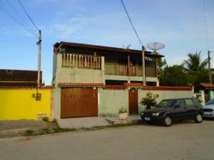 Casa com 4 quartos , Centro